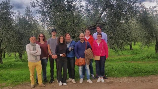 olio-tamia-laura-belli-american-belgian-monarti-woestyne-visiting-the-farm-1
