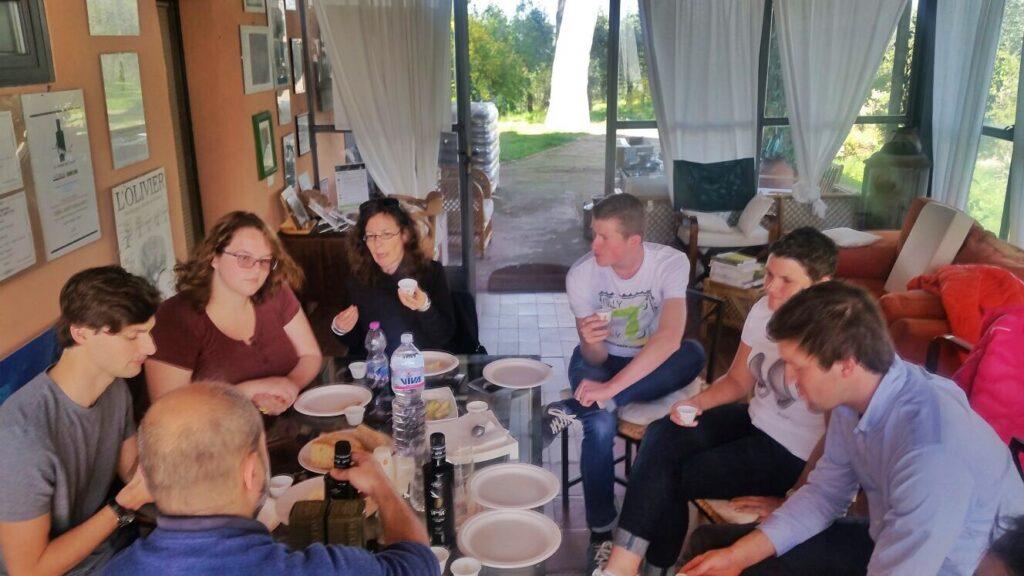 olio-tamia-laura-belli-american-belgian-monarti-woestyne-visiting-the-farm-3