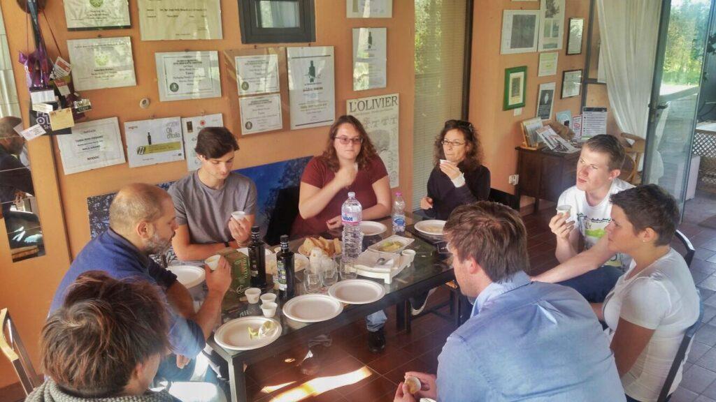 olio-tamia-laura-belli-american-belgian-monarti-woestyne-visiting-the-farm-5