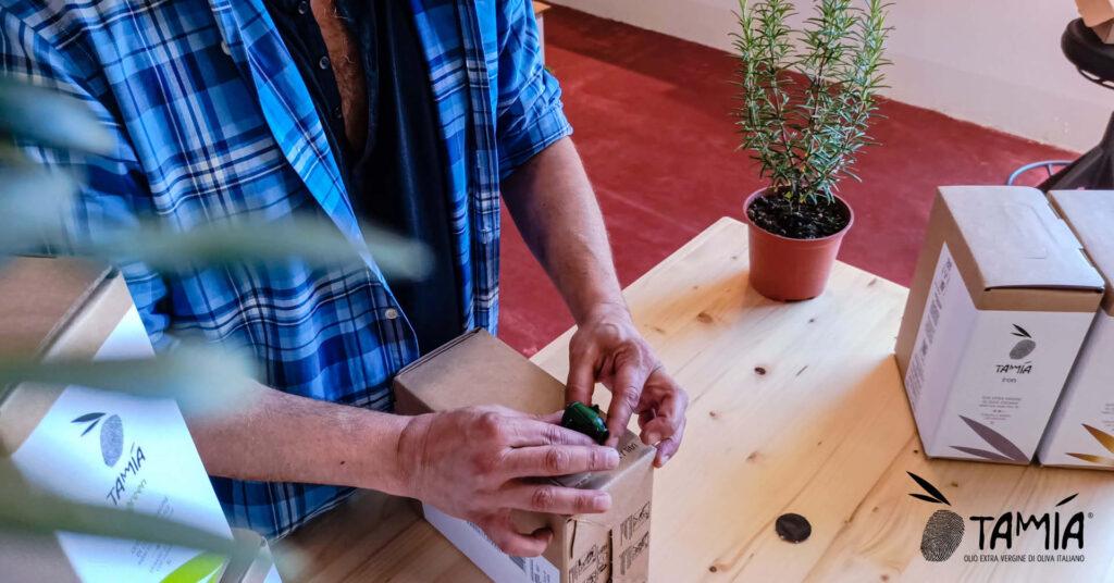 Il pratico rubinetto della Bag in Box è facilissimo da preparare